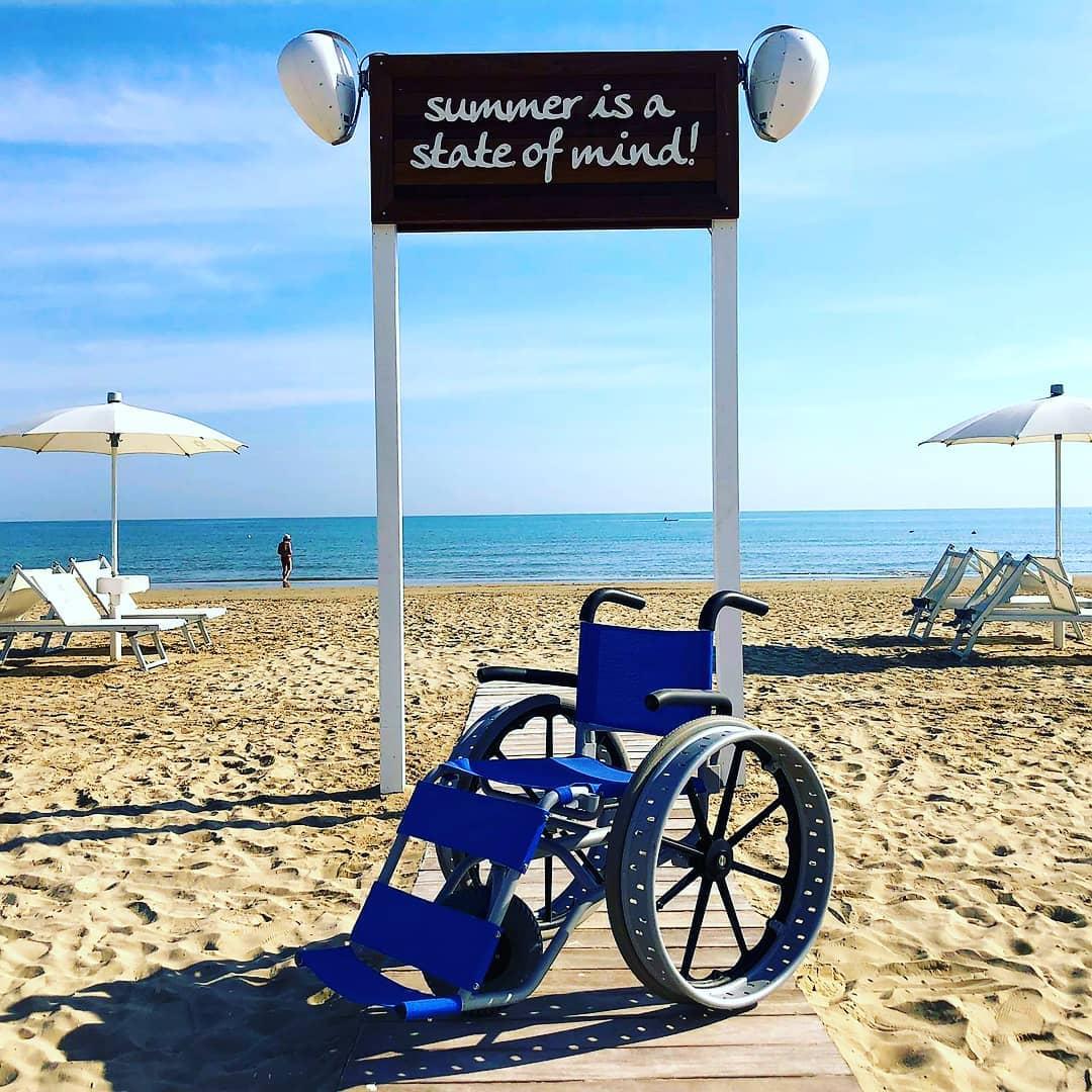 ARIEL SCELTA COME REGINA DEL MARE DALLA SPIAGGIA 77 DI SENIGALLIA eletta Migliore stabilimento balneare d'Italia del 2020 secondo la giuria di Best Beach.